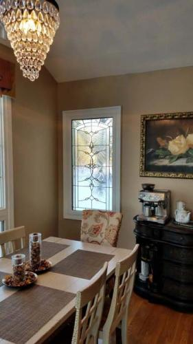 stained-glass, thermatru, kitchen, window, window replacement, window installation, Indiana, Carmel, Fishers, Indianapolis