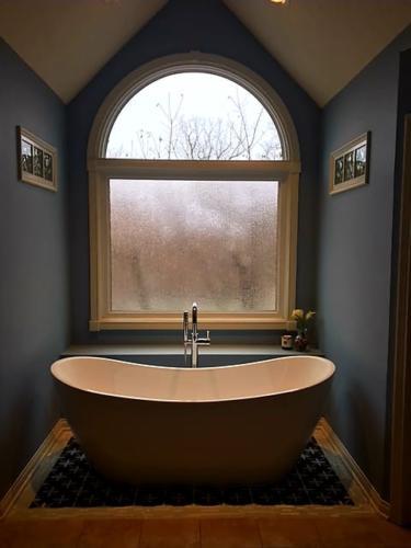 alside, vinyl, mezzo, windows, replacementwindows, privacyglass, obscureglass, fishers, Indiana